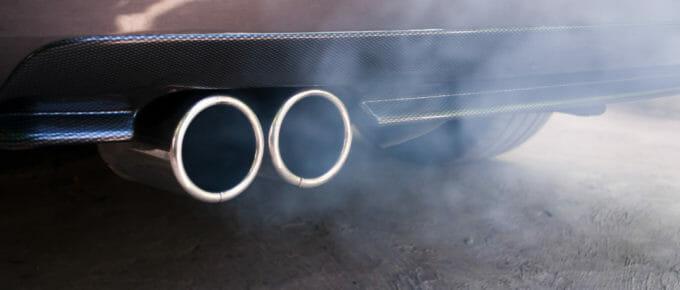 Dieselabgase aus einem Audi Auspuff
